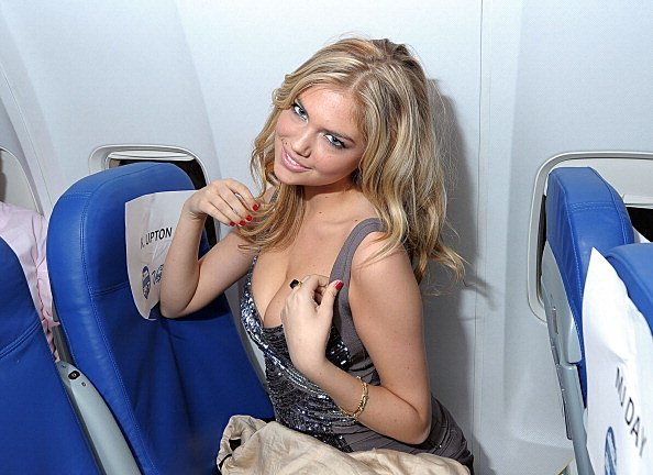 2011 SI Swimsuit Models New York To Las Vegas Flight