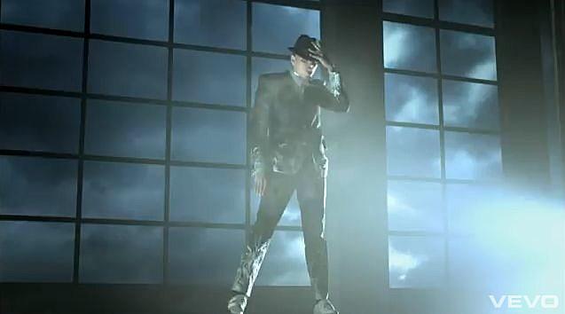 YouTube - Chris Brown - She Ain't You