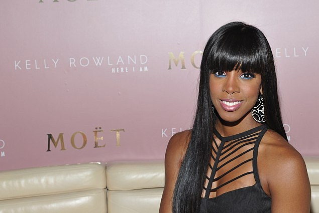 """Moet Rose Lounge And Kelly Rowland Celebrate The Launch Of Her New Album """"Here I Am"""""""