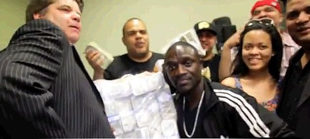 Akon Gets 50k Delivered to the strip club