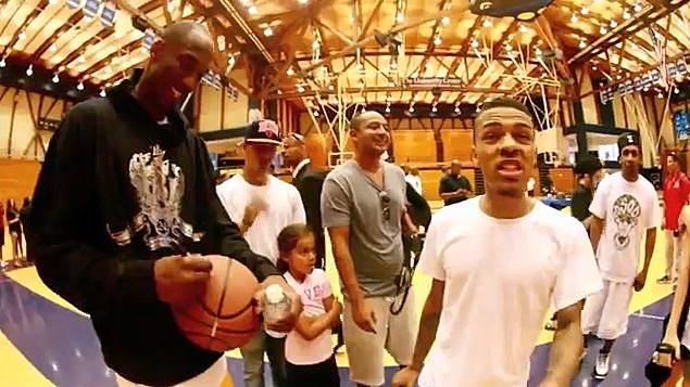 YouTube - Bow Wow Vs Kobe Bryant 1 on 1 Basketball