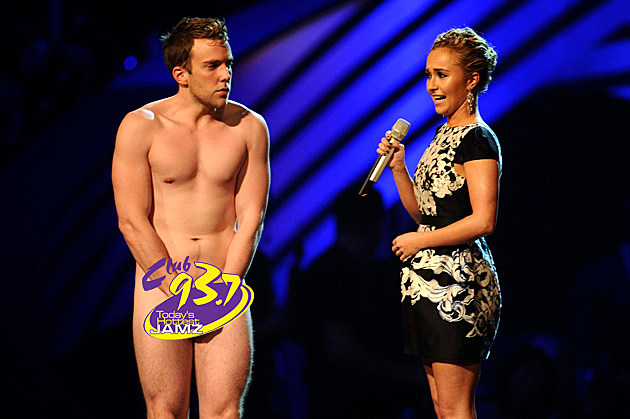 Streaker interrupts Hayden Panettiere at MTV EMAs