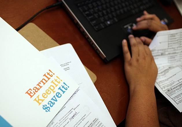 Volunteers Aid Needy Families With Tax Preparation