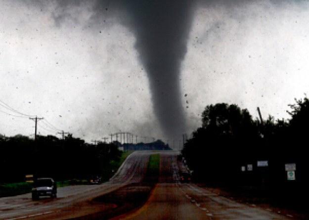 lancaster_tornado