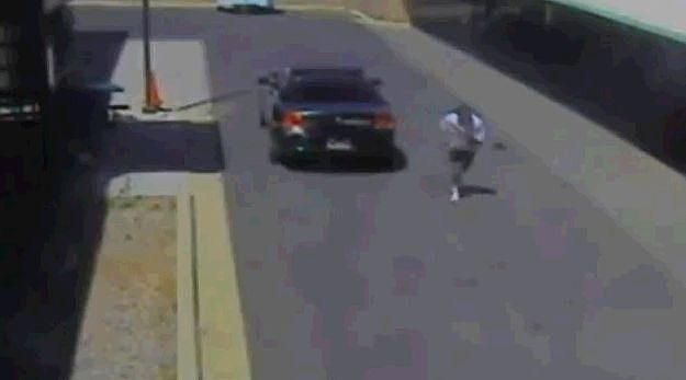 Criminal Couple Escape Police