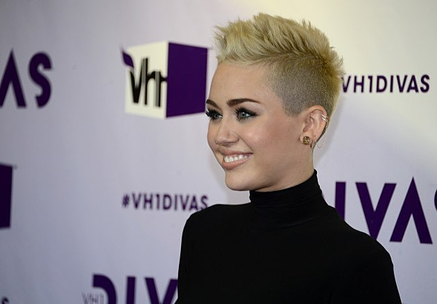 Miley Cyrus new twerk video