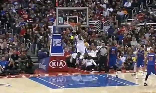 DeAndre Jordan Dunk On Brandon Knight